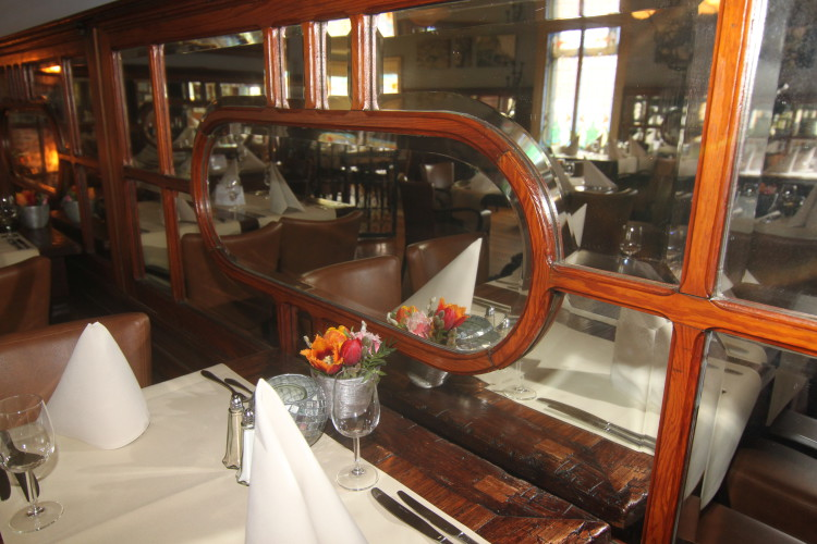 Spiegels in de Langedijker Eetsalon